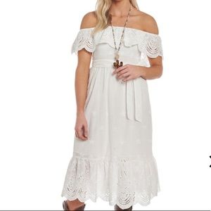 Flying Tomato White Lace off the shoulder dress Sm